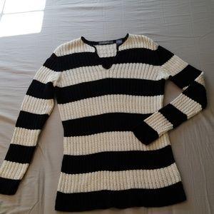 Liz Claiborne V neck Black/cream stripe sweater